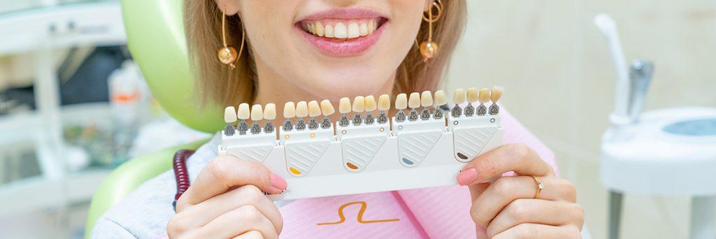 colores naturales de dientes sin blanqueamiento dental con carbón activado