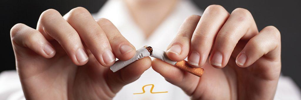 ¿Cómo afecta el tabaco a tus dientes y encías?