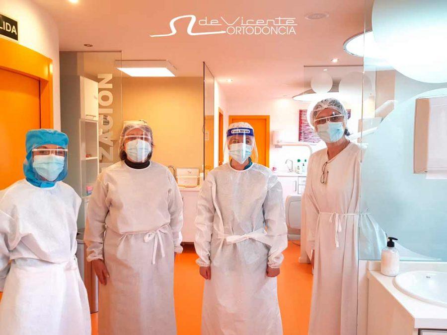 equipo profesional de la clínica dental de Vicente Ortodoncia en Granada