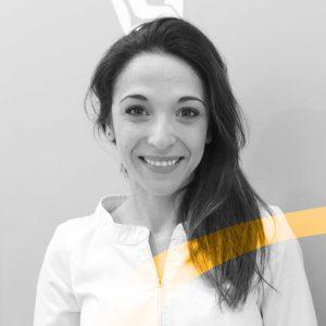 Lorena Antequera es la higienista dental de nuestra clínica dental en Granada De Vicente Ortodoncia